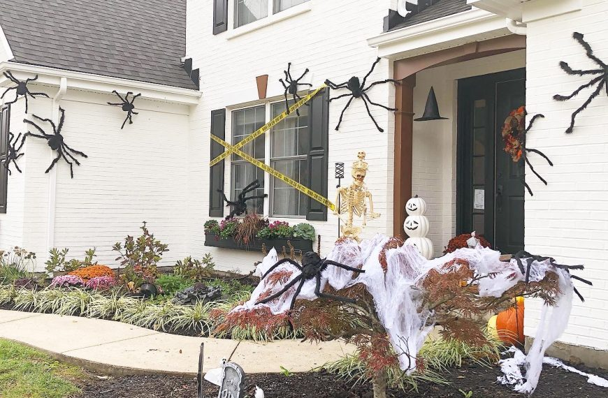 Looking Back: Last Year's Halloween Decor